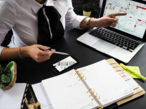 Nos gestionnaires et juristes en droit social vous conseillent et vous accompagnent, afin de répondre à toutes vos interrogations et de vous simplifier les démarches.